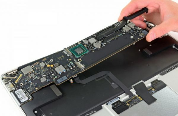 Concerto-Placa-Lógica-Macbook-iMac-2-600x394 iClubFix Especializada Apple